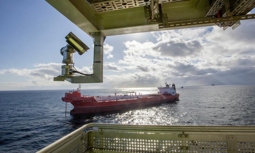 SETTER PRIS PÅ UTFASING AV OLJE: En ny rapport har beregnet hva det vil koste for Norge om vi bevisst skulle gå inn for å avvikle oljeindustrien. Foto: Jan-Morten Bjørnbakk / NTB scanpix