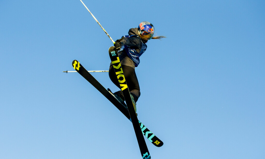TILBAKE: Tiril Sjåstad Christiansen i aksjon i X-Games i Oslo i fjor. Fristilstjernen var tirsdag tilbake på ski etter å ha mistet hele sesongen med skade. Foto: Vegard Wivestad Grøtt / NTB scanpix