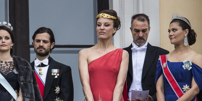 Desirées kjole stjal showet på Slottet