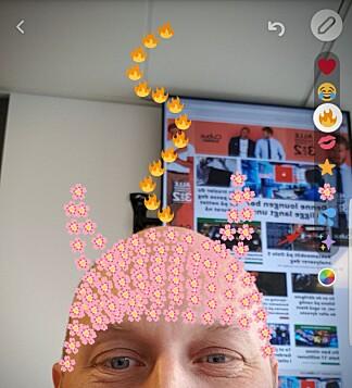 TEGN MED EMOJI: Nyhet nummer to er at du nå kan tegne med emoji-ikoner. Foto: Pål Joakim Pollen