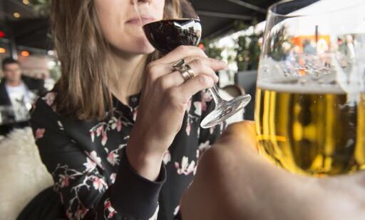 VIL STRAMME TIL: KrF vil stramme inn i folks alkholvaner, blant annet ved et forbud mot prisdumping av alkohol. Foto: Lars Eivind Bones / Dagbladet