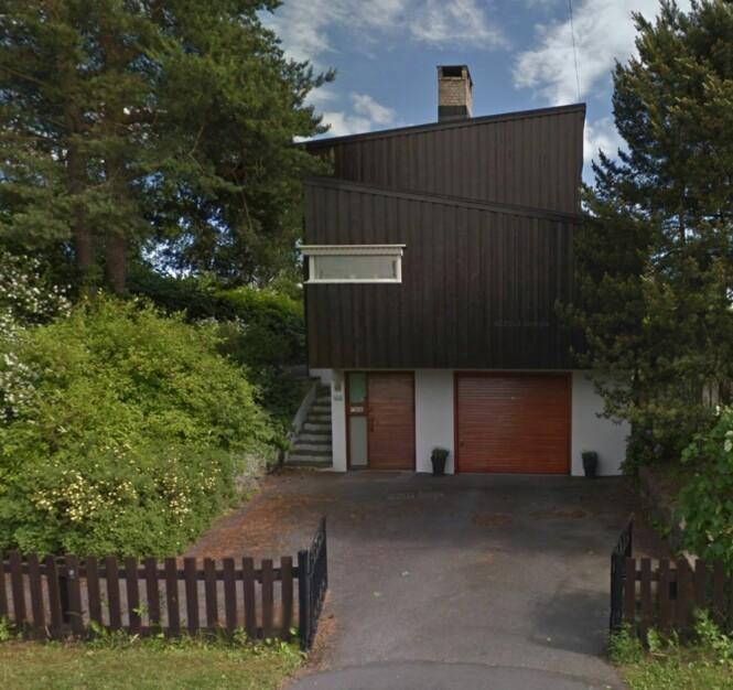 ELDRE FUNKISHUS: Boligen er bygget i 1957, og vil kreve noe oppussing. Foto: Google Maps