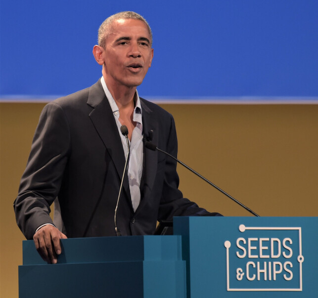 TALTE: Barack Obama talte under årets Seeds & Chips-konferanse i Milano. Foto: Splash News  / Nick Zonna