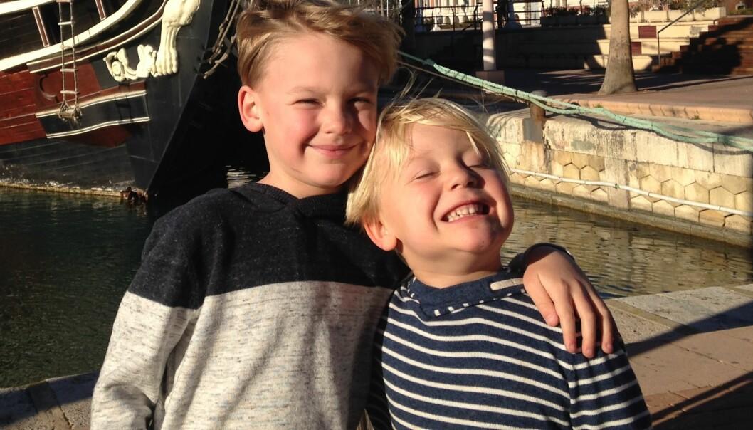 <strong>STORTRIVES:</strong> Sondre og Einar har begge lært seg noe spansk under oppholdet i Spania. Foto: Privat