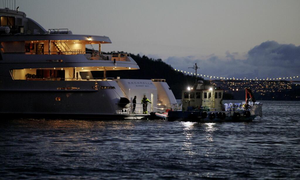 YACHT: Helikopteret skal ha forsøkt å lande på denne yachten da det styrtet. Yachten kom til Bergen i slutten av april, og har ligget til kai siden. FOTO: PAUL S. AMUNDSEN/DAGBLADET