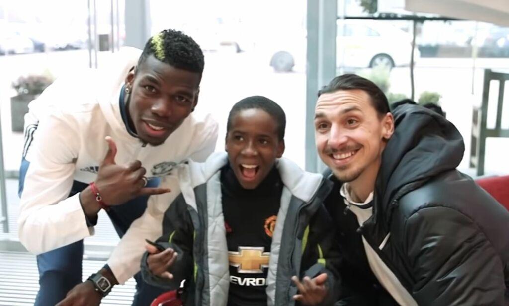 image: Samuel kan ikke stå oppreist uten hjelp, men er likevel keeper. Nå får han en kjempegave fra Pogba