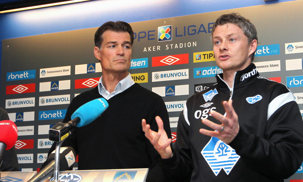 SUSPENDERER IKKE: Molde-direktør Øystein Neerland (t.v.) sier at klubben ikke vil suspendere spilleren som er tiltalt for sovevoldtekt. Her sammen med Ole Gunnar Solskjær på en pressekonferanse i 2012. Foto: Per Tormod Nilsen / NTB scanpix