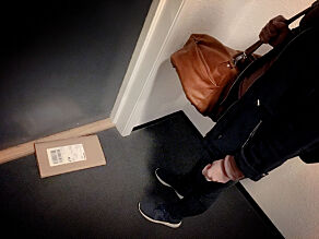 image: Her lå pakka i to dager. PostNord kaller det «bekvemt»