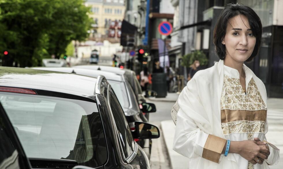 SIN EGEN SJEF: Manal al-Sharif (38) var sjef i det saudi-arabiske oljeselskapet Aramco, men brukte mesteparten av inntekten sin på taxi, for å komme til og fra jobb. - Jeg gir ikke opp kampen før den første saudiske kvinnen får utstedet eget førerkort. Men da finner jeg på noe annet, sier tobarnsmora, som var i Oslo denne uka, under Oslo Freedom Forum. Foto: Hans Arne Vedlog  / Dagbladet
