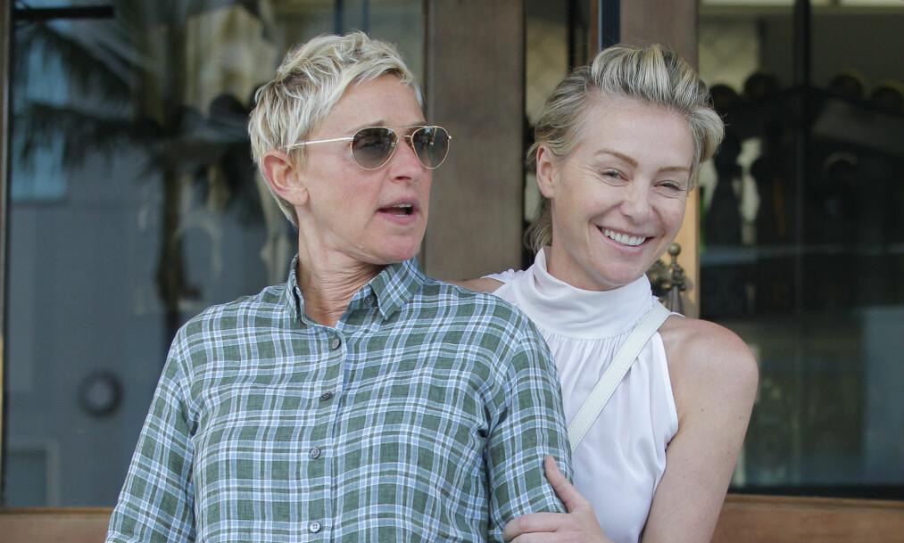 <strong>VIL BLI FORELDRE:</strong> Ellen DeGeneres og Portia de Rossi prøver angivelig nå å bli foreldre. Det barn kan ifølge venner av dem redde det trøblete ekteskapet deres. Foto: Splash News, NTB scanpix