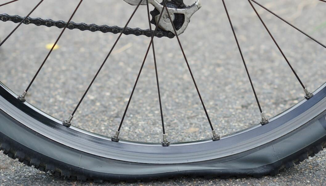<strong>UHELL:</strong> Før eller seinere står du der, langt fra nærmeste sykkelverksted. Foto: wk1003mike/Shutterstock/NTB scanpix