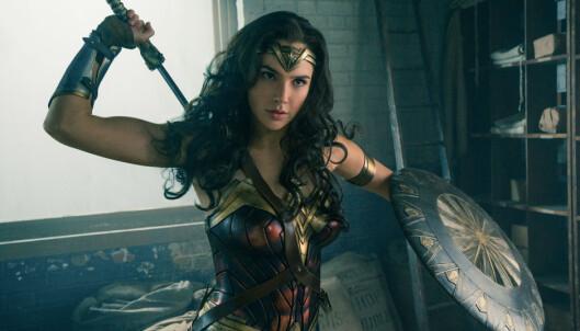 <strong>2017-VERSJONEN:</strong> Gal Gadot spiller Wonder Woman i actionfilmen som har norsk premiere på fredag. Foto: Warner Brothers