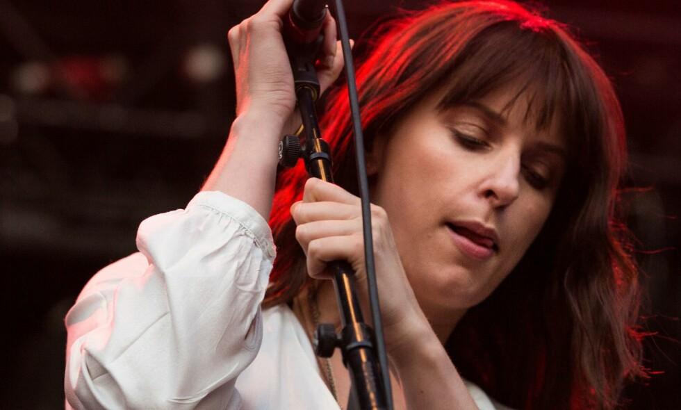 Susanne Sundfør fotografert under en konsert i Fredrikstad i fjor sommer. Hun sjokkutga en låt mandag via Spotify. Foto: Hell Gate Media/REX/Shutterstock