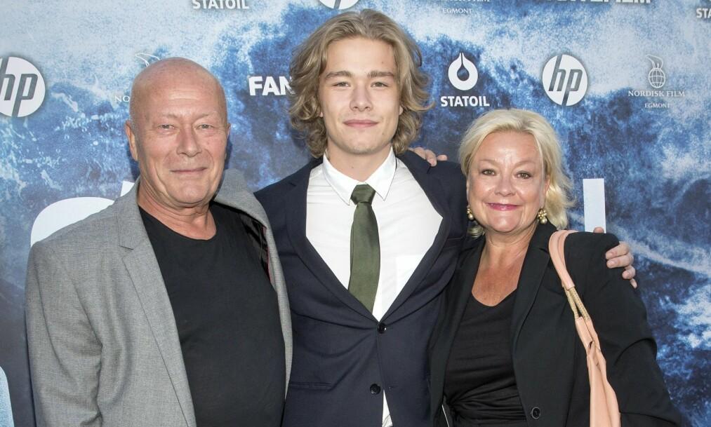 BERØMT FAMILIE: 21 år gamle Jonas Oftebro er sønnen til skuespillerparet Nils Ole Oftebro og Anette Hoff. Foto: Andreas Fadum