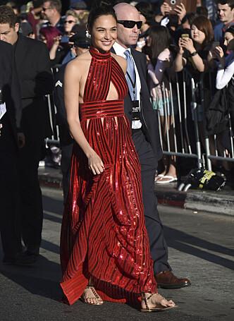 <strong>FLATE SKO:</strong> Gal Gadot prioriterte komfort på «Wonder Woman»-verdenspremieren. Foto: NTB scanpix
