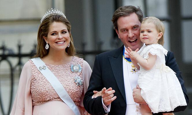 <strong>FLOTT FAMILIE:</strong> Prinsesse Madeleine ble tobarnsmor i 2015. Her sammen med ektemannen Chris O'Neill og datteren Leonore. Foto: NTB scanpix