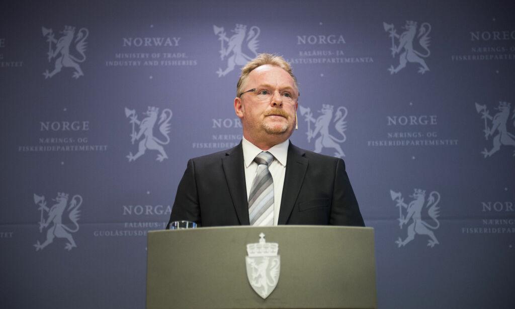 image: Ber Sandberg rydde opp: - Det skal ikke være noen skjulte bakveier til norske statsråder