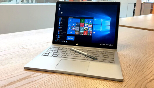 <strong>KONKURRENT:</strong> MIcrosoft Surface Book ligger i samme prisleie og må ses på som en åpenbar konkurrent. Foto: Bjørn Eirik Loftås