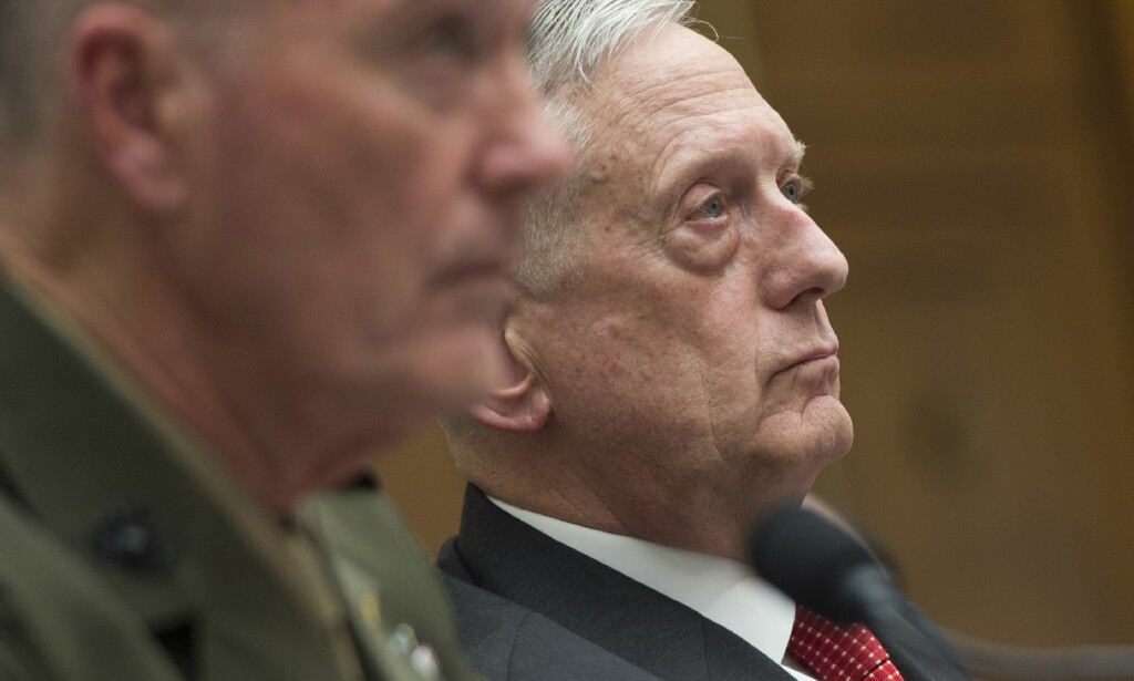 SNAKKET UNDER HØRING: USAs forsvarsminister James Mattis. Foto: AFP PHOTO / SAUL LOEB/NTB Scanpix