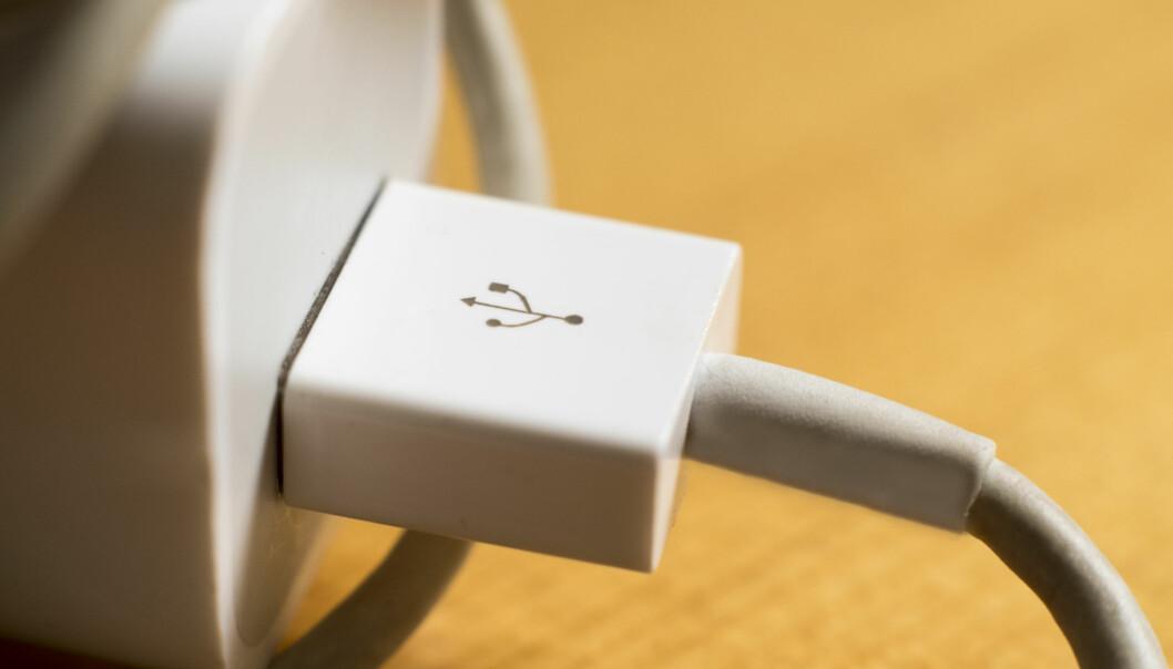 <strong>STOR TEST AV LADERE:</strong> En svensk stortest av USB-ladere avslører at det er store svakheter med mange av laderne på markedet. Og det finnes dårlige ladere i alle prisklasser. Se om DIN lader er en tikkende bombe i listen nederst i artikkelen. Foto: Shutterstock/NTB Scanpix
