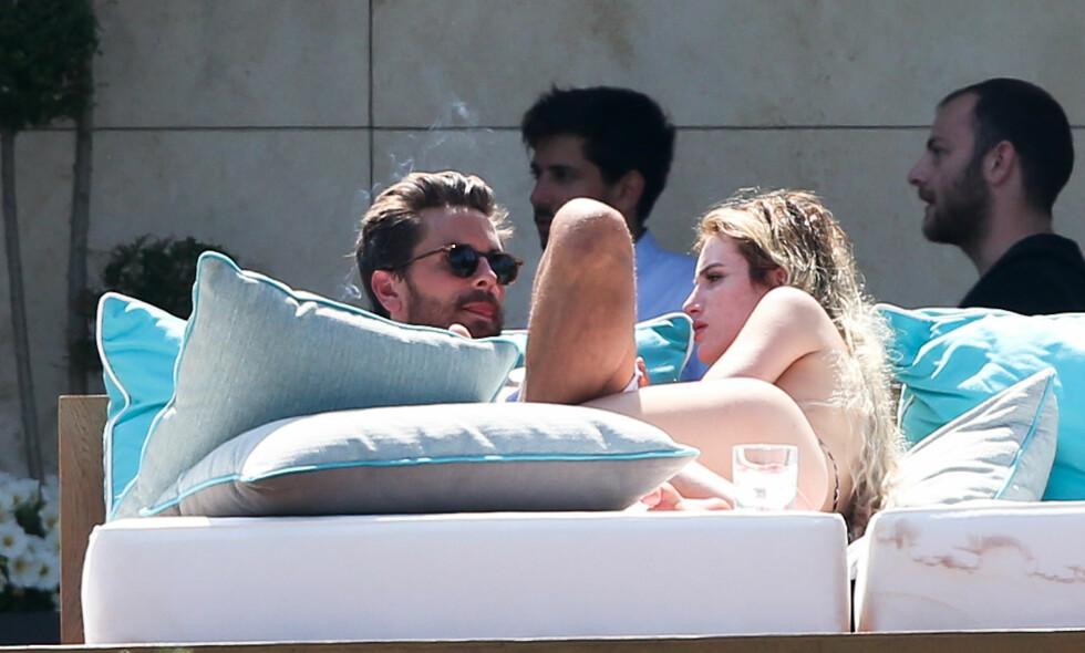 KORT FLØRT: Scott Disick og Bella Thorne i Cannes. Foto: NTB Scanpix