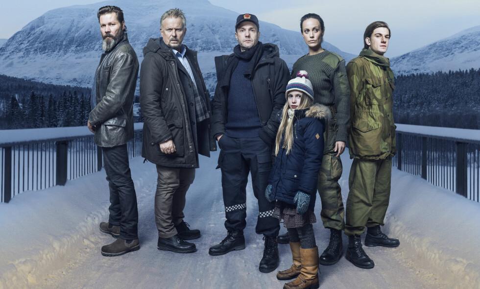 IKKE NY SESONG: Hovedrollene i «Elven» spilles av Espen Reboli Bjerke og Ingeborg Sundrehagen Raustøl. I serien spilte også Stig Henrik Hoff, Dennis Storhøi og Thomas Hayes. FOTO: TV 3.