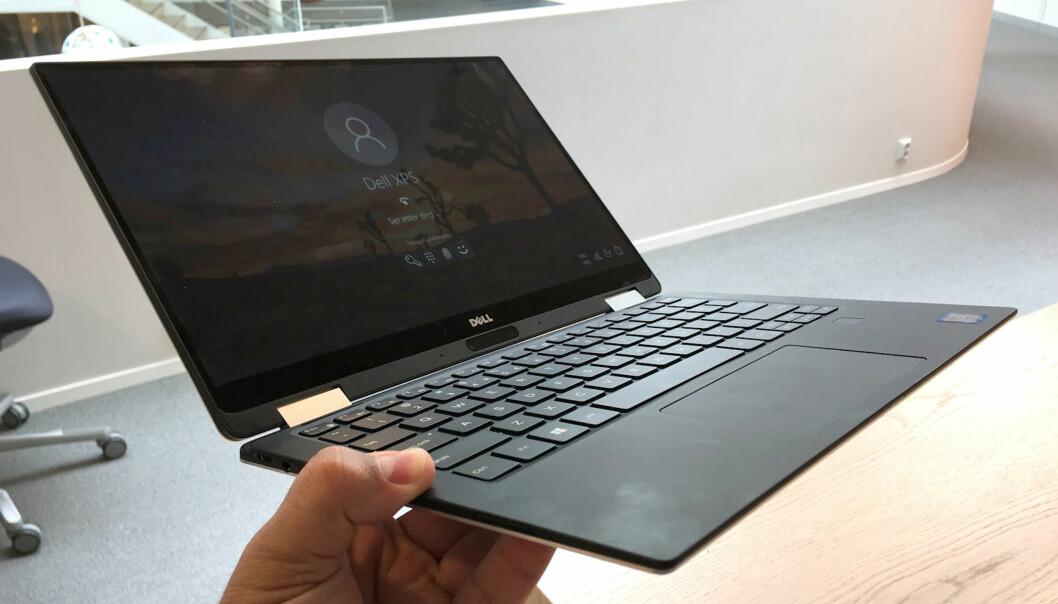 <strong>LETTVEKTER:</strong> 1,24 kg er ikke eksepsjonelt for en PC med 13,3 tommer skjerm, men frister til utrstrakt mobil bruk. Foto: Bjørn Eirik Loftås