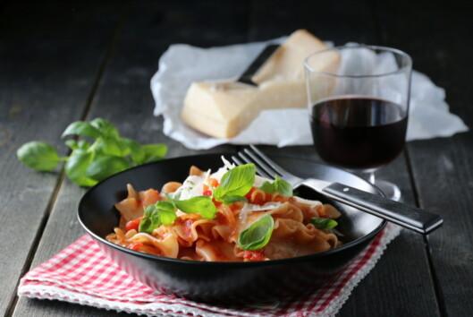 PASTA UTEN KJØTT: Italiensk middag på bordet.  Foto: Trines matblogg