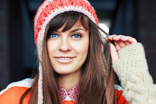 TRANG LUE?: Visste du at en trang lue kan gi lite luft til hodet, som igjen kan irritere hodebunnen.  Foto: Shutterstock / solominviktor