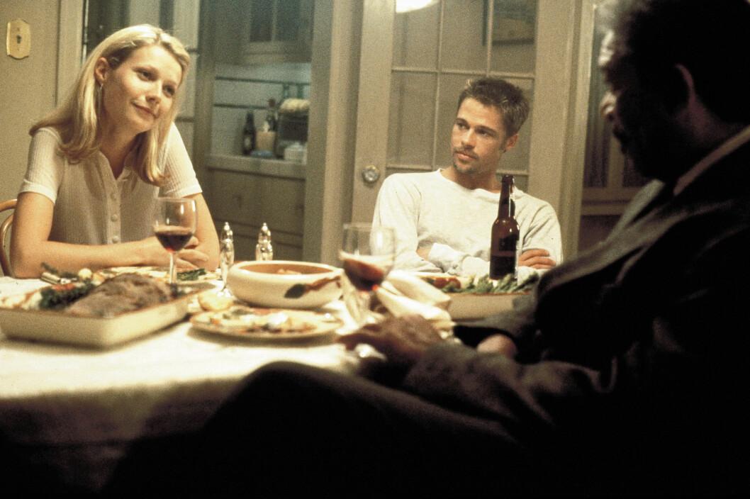 IKKE FØRSTE GANG: I 1994 lot Brad Pitt seg sjarmere av skuespiller Gwyneth Paltrow som han spilte mot i kultfilmen «Seven», utgitt i 1995. De to innledet et forhold, og ble også forlovet, men forholdet tok slutt etter tre år. Foto: NTB Scanpix