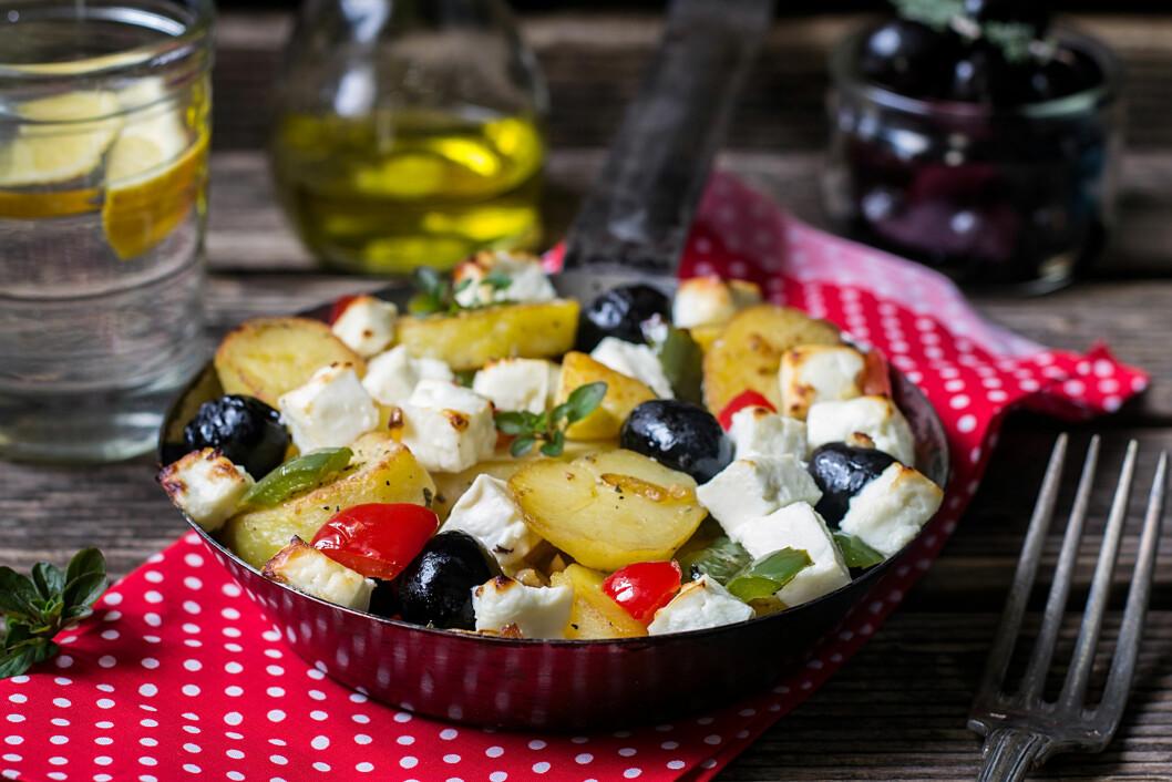 GRESK-INSPIRERT: Mmm... Vi får vann i munnen av denne salaten! Foto: Shutterstock