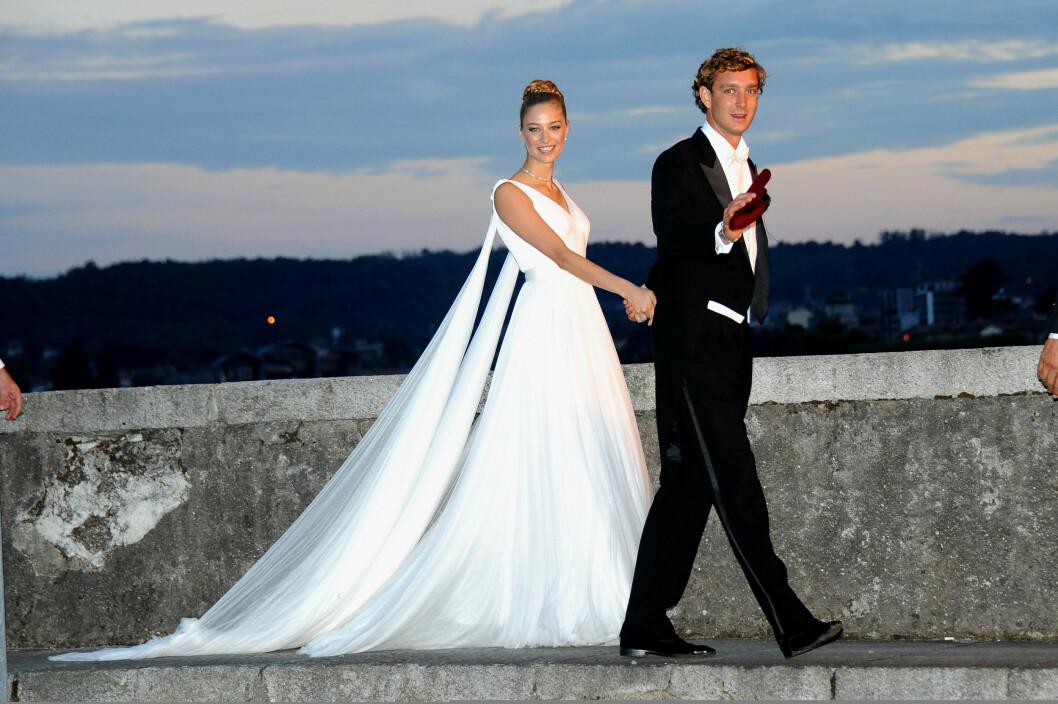 TO BRYLLUP: Da Beatrice Borromeo og Pierre Casiraghi giftet seg stelte de like så godt i stand to bryllup! Foto: Pa Photos