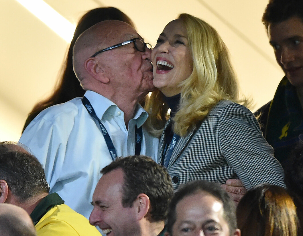 25 ÅRS FORSKJELL: Mediamogul Rupert Murdoch (84) har funnet lykken med den tidligere modellen Jerry Hall (59).    Foto: NTB Scanpix