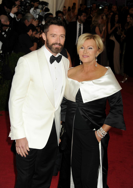 12 ÅRS FORSKJELL: Den australske skuespilleren Hugh Jackman (47) har vært gift med Deborra-Lee Furness (59) siden 1996. De har to barn sammen. Foto: NTB Scanpix