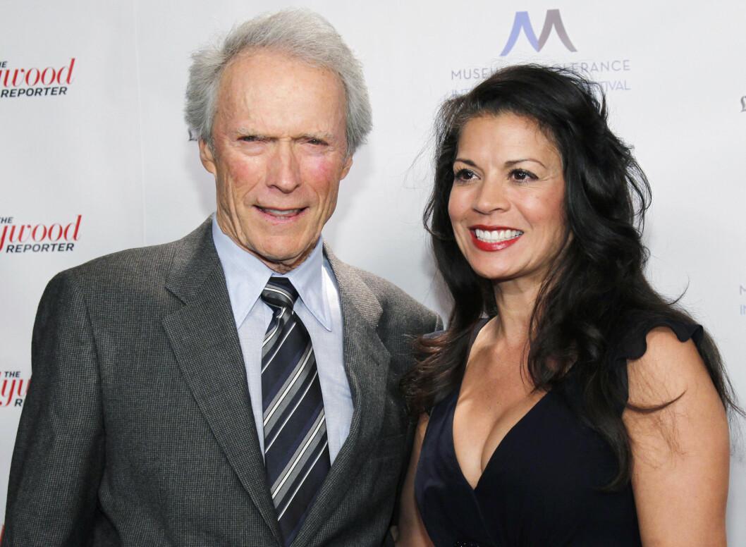 35 ÅRS FORSKJELL: Skuespiller og filmregissør Clint Eastwood var gift med 35 år yngre Dina Ruiz (50) i hele 18 år, før lykken brast i fjor. De har sønnen Morgan Eastwood (19) sammen. Foto: NTB Scanpix