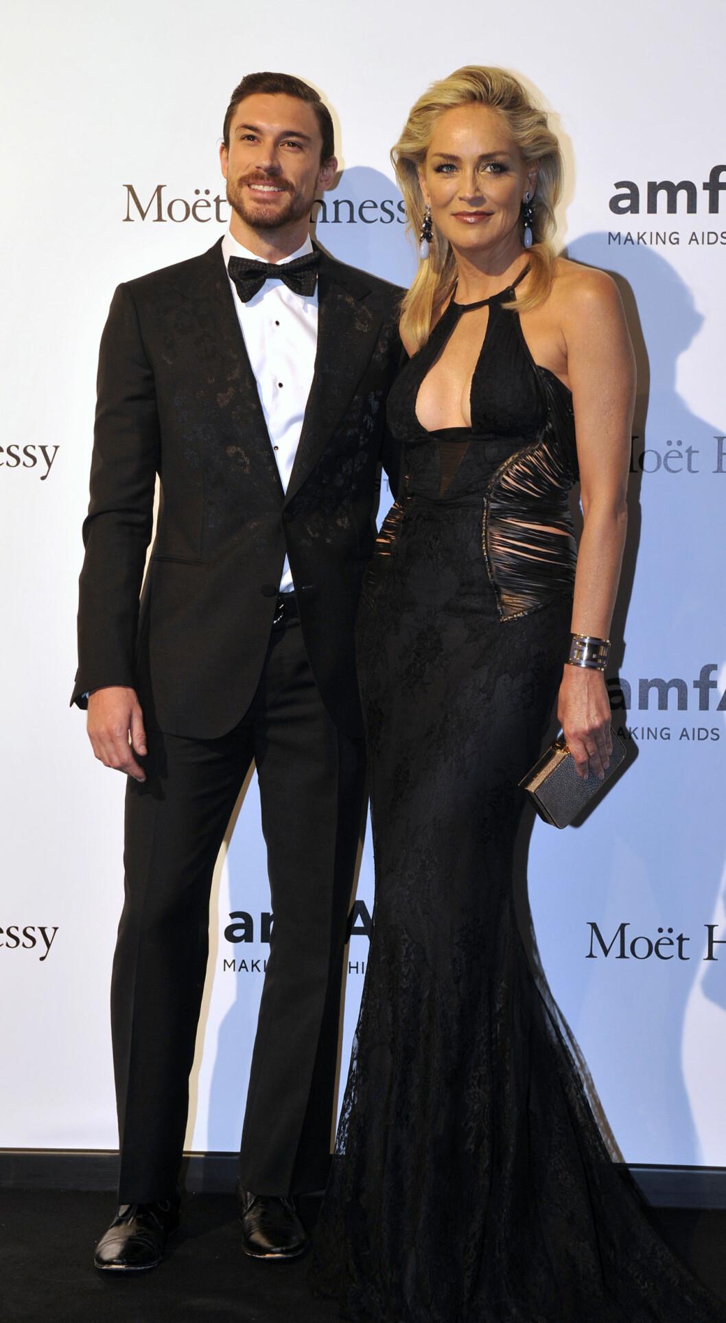 30 ÅRS FORSKJELL: Skuespiller Sharon Stone var kjæreste med den 30 år yngre argentinske kjekkasen Martin Mica (27), før lykken brast i 2013. Foto: NTB Scanpix