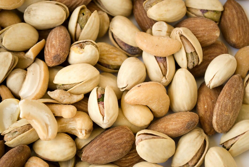 SUNT OG PROTEINRIKT: Ha nøtter i smoothien, eller bruk det som fortykning i supper og sauser.  Foto: Scanpix