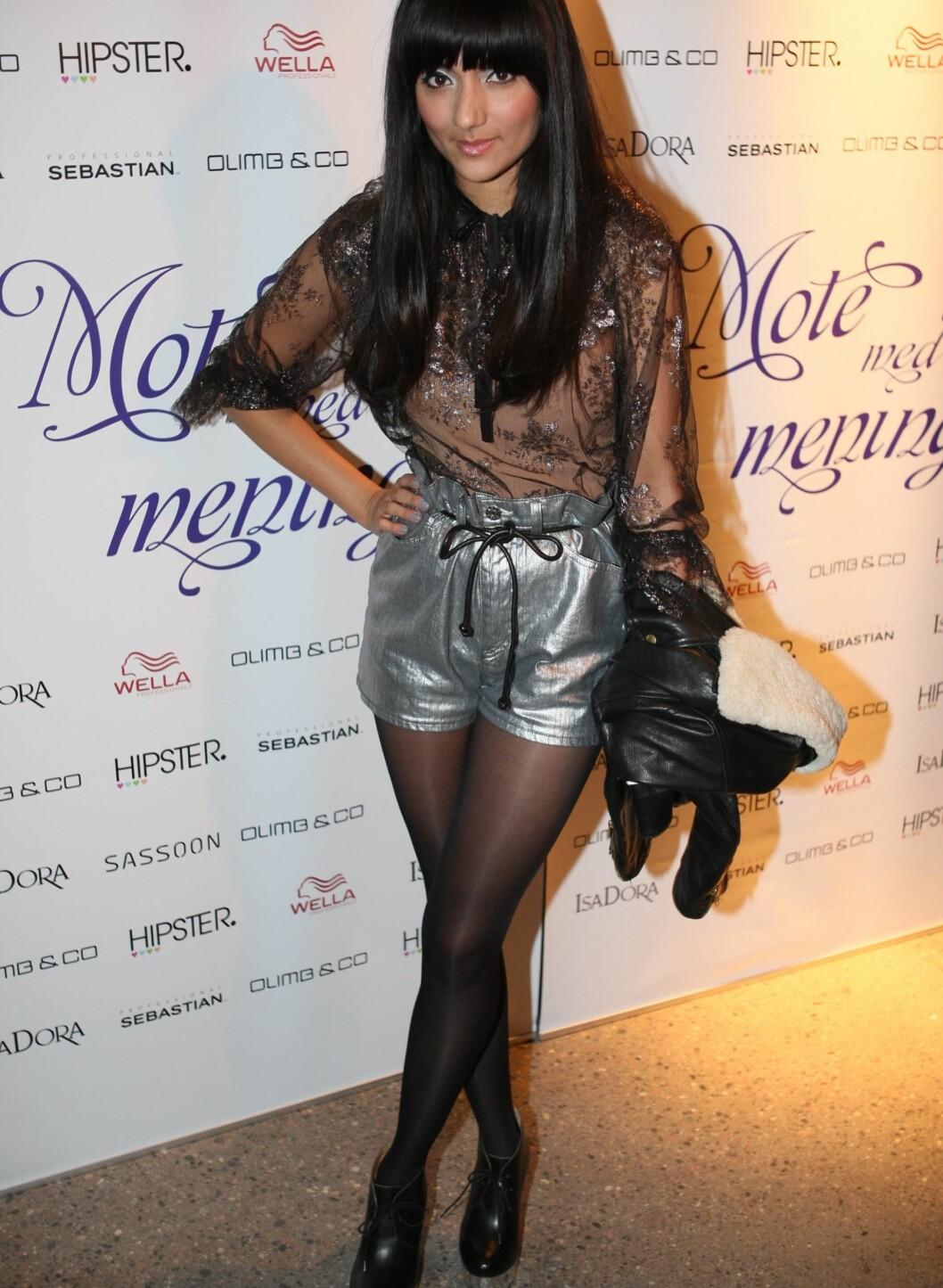 Samsaya hadde på seg en bluse fra Velouria Vintage, shorts og sko fra Acne. - Jeg føler meg sterkere i denne toppen, sa hun.  Foto: Per Ervland