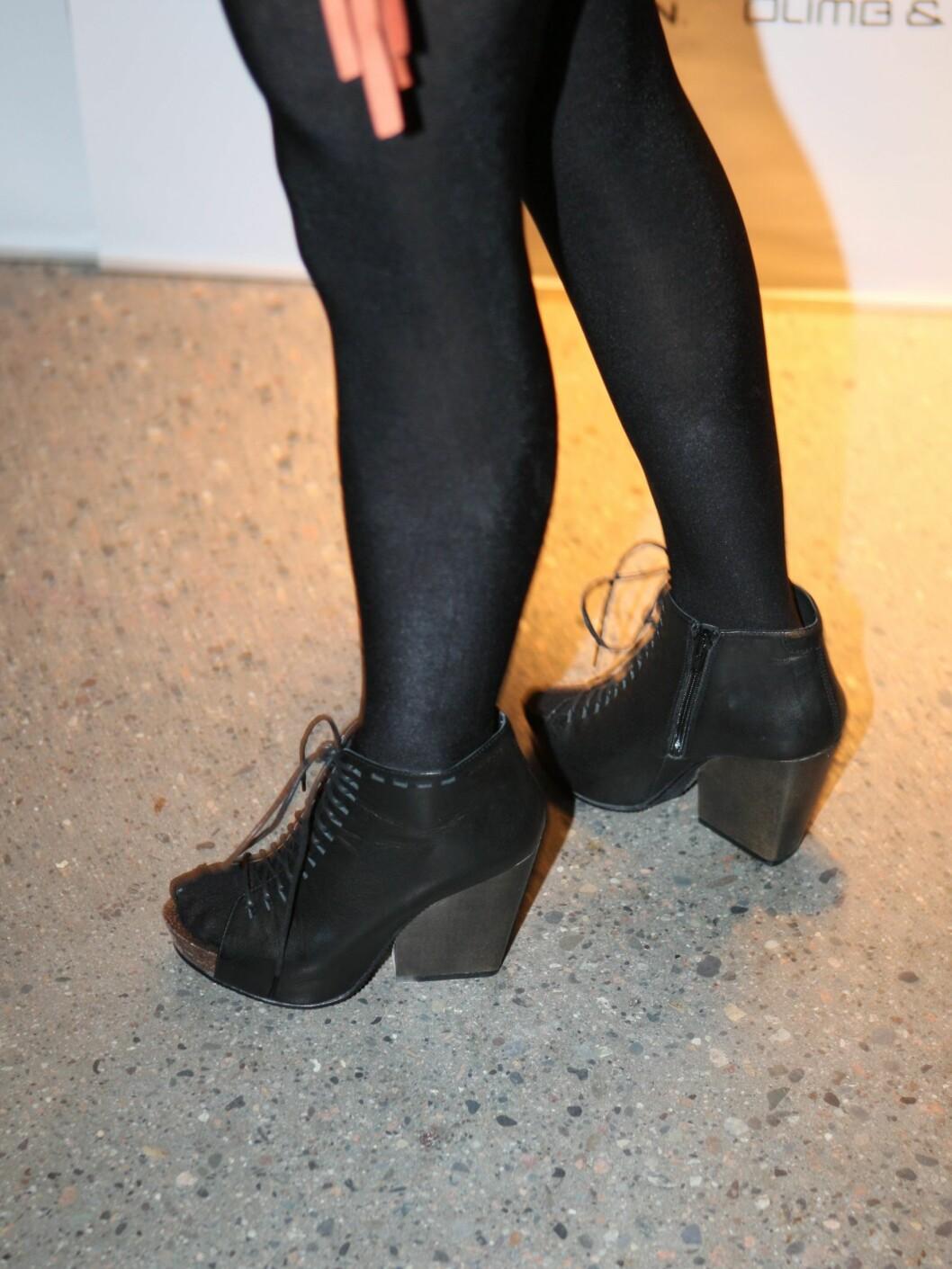 Eva Weel Skrams ankelstøvletter hadde åpen tå, knytting og grov hæl og er av merket Vagabond.  Foto: Per Ervland