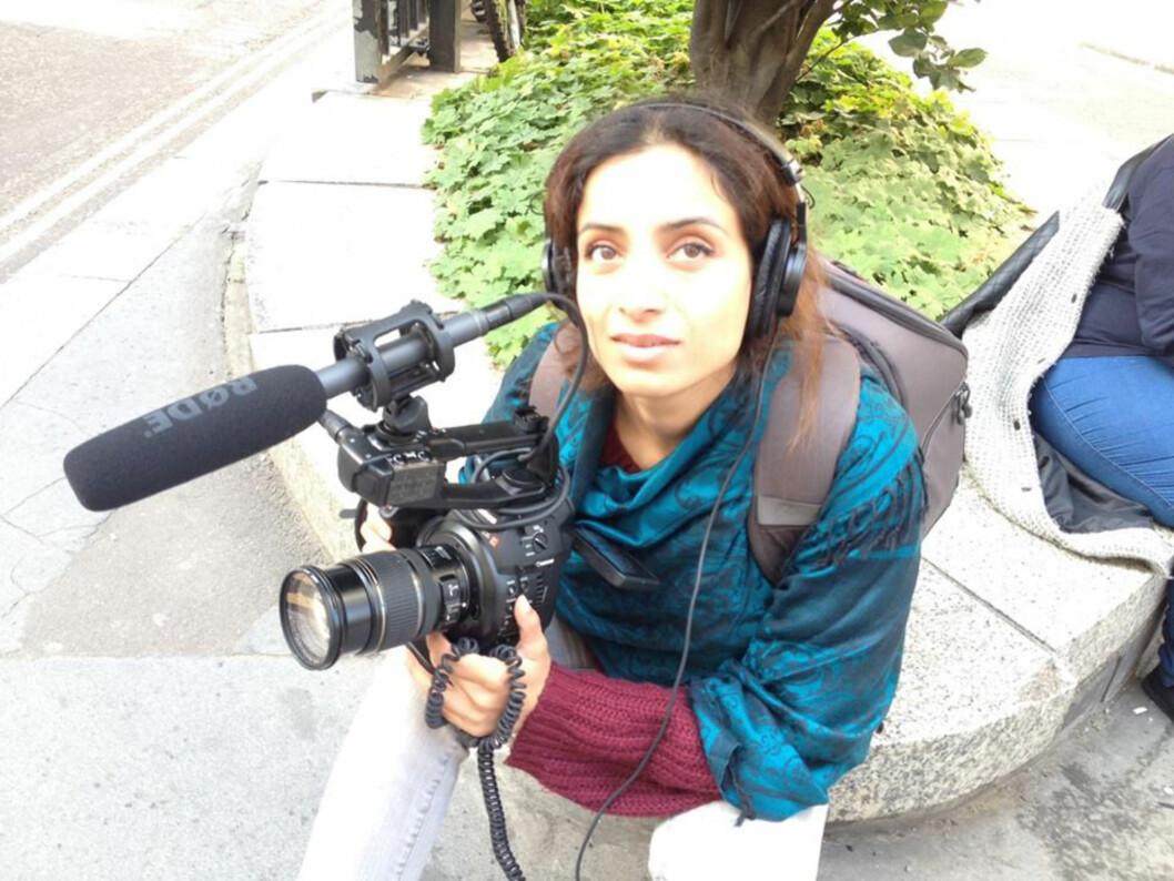 <strong>HADDE ALDRI LAGET FILM:</strong> Uten filmutdannelse eller teknisk kunnskap, gikk hun ut og kjøpte utstyr og begynte på sin første dokumentarfilm. Foto: Privat