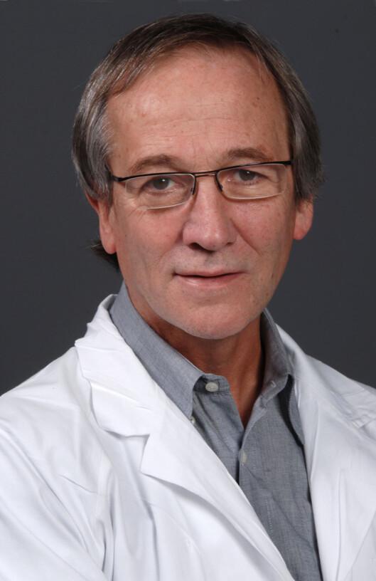 FORSKER: David Russell er professor ved nevrologisk avdeling på Universitetet i Oslo.  Foto: UiO