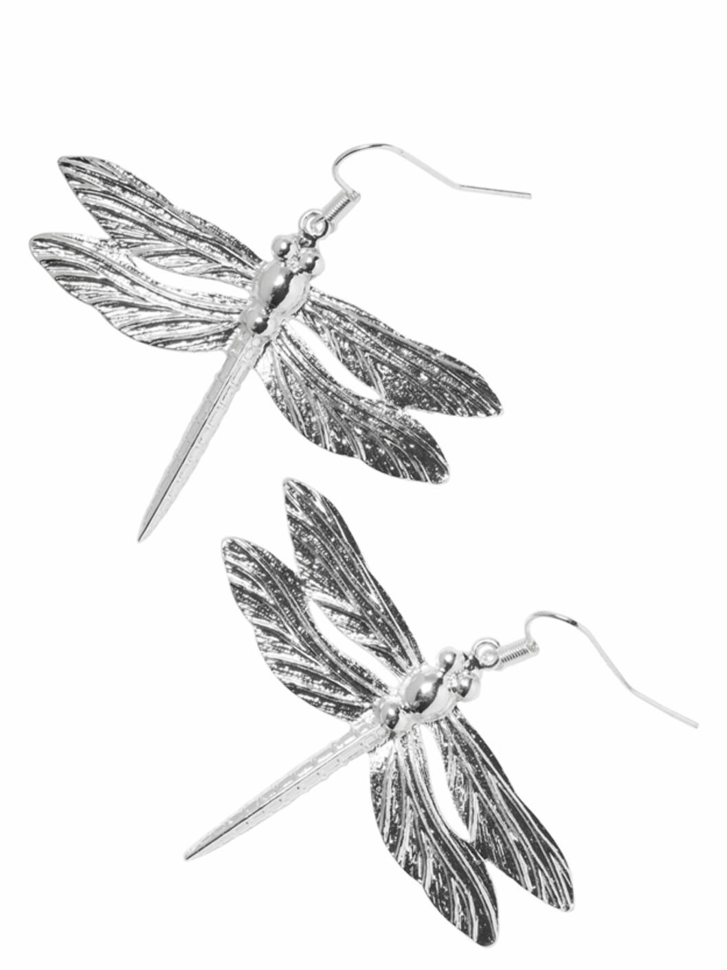 Øreringer med øyenstikkere (kr.80/Monki). Foto: Produsenten