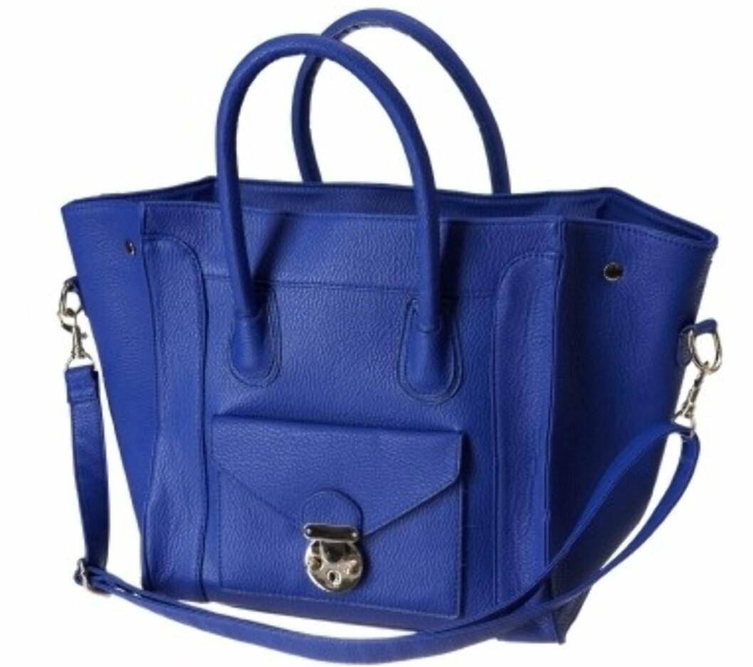 Knæsjblå shoppermodell med avtagbar skulderstropp (kr.299/Gina Tricot). Foto: Produsenten