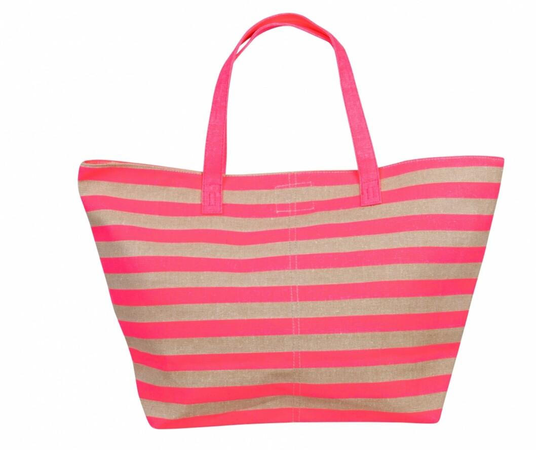 Med sommerlige striper (kr.249/Bik Bok). Foto: Produsenten