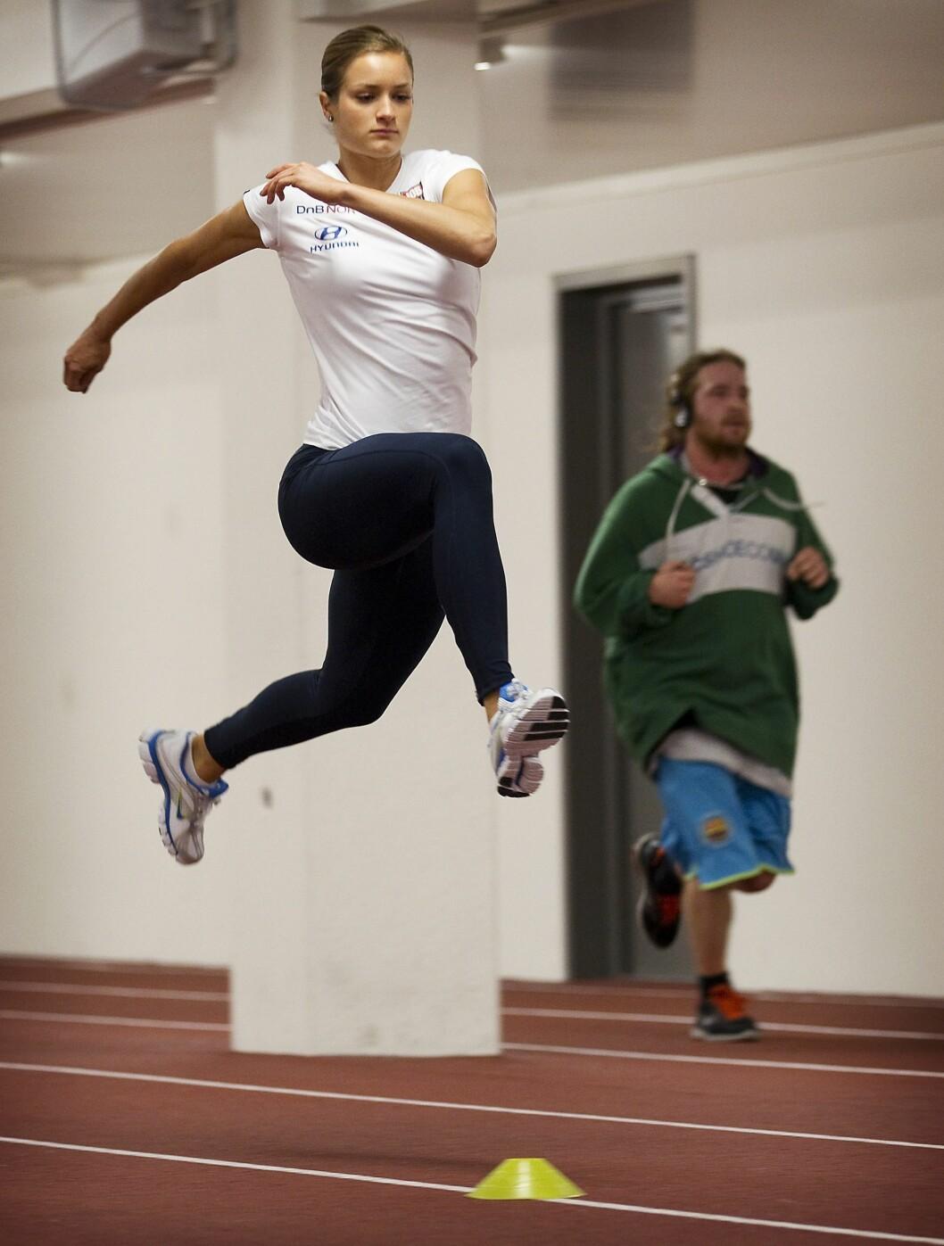 ET FORBILDE: Friidrettsstjernen Christina Vukicevic har en kropp de fleste bare kan drømme om, og som det ligger mange treningstimer bak. Dette bildet er fra Bislett Stadion i 2011. Foto: NTB Scanpix