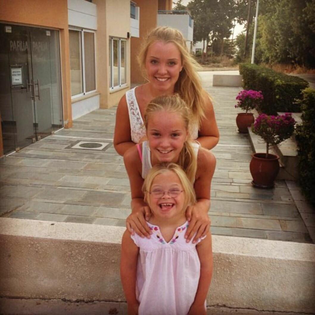 <strong>FERIETUR:</strong> Hele familien ferierte på Kypros sommeren 2013. Angelika foran, Aurora i midten, Selene bakerst. Denne turen ble starten på bloggingen. Foto: Privat