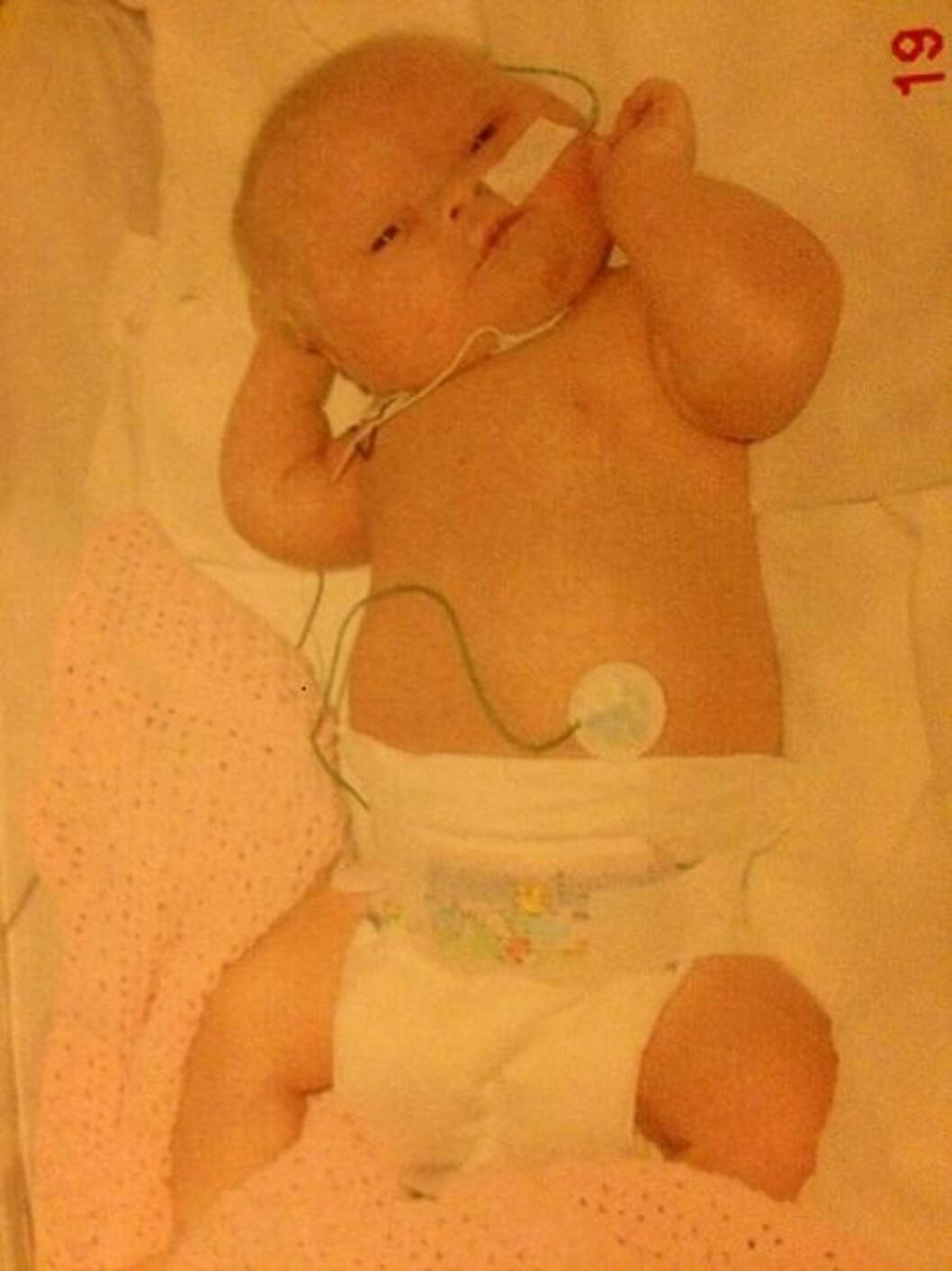 <strong>NYFØDT:</strong> Angelika ett døgn gammel, dagen etter fødselen 19. november 2005.  Foto: Privat