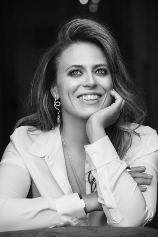 <strong>PÅ SCENEN:</strong> I høst har Ine Jansen også hovedrollen i Nationaltheatrets satiriske «Helikopter» med premiere 12. oktober, hvor hun spiller mot Trond Espen Seim. Foto: Janne Rugland