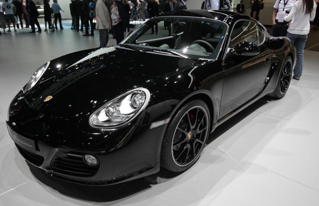 <strong>OMTRENT SAMME PRIS:</strong> En Porsche Cayman koster fra rett over 700.000 kroner og oppover - altså like mye som Cleopatra-hælene fra House of Borgezies. Foto: Bloomberg via Getty Images/Getty Images/All Over Press