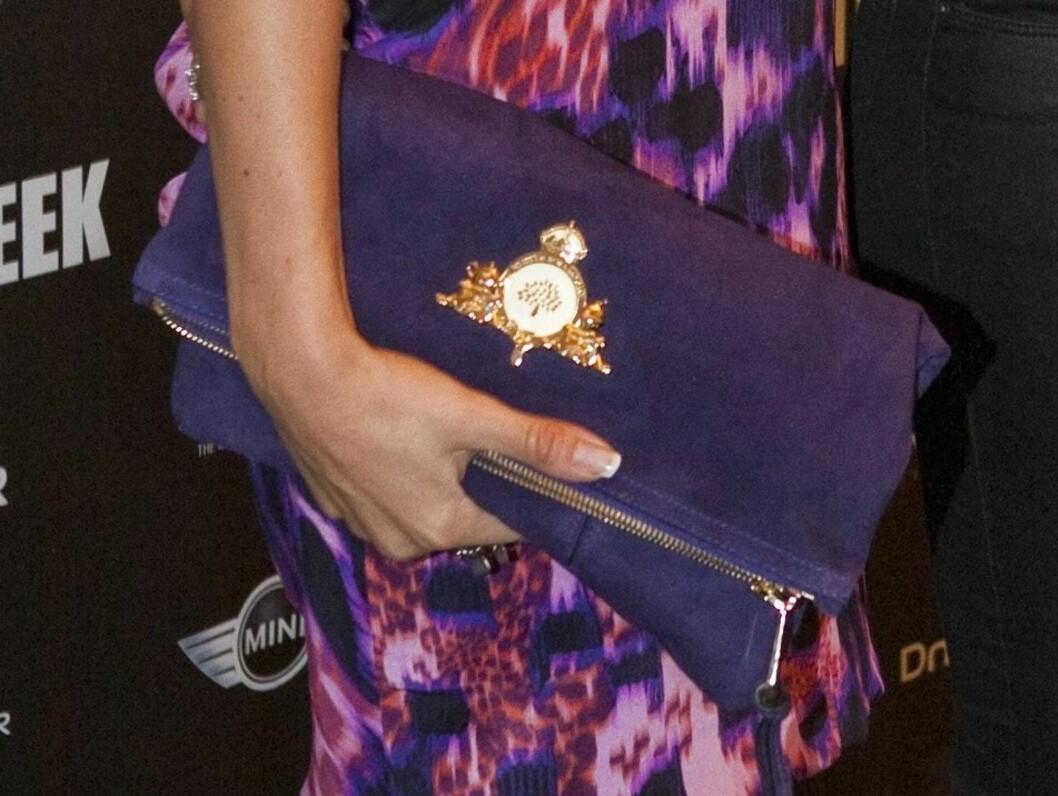 Katarina Flatland i kjole og veske fra Mulberry.  Foto: Per Ervland